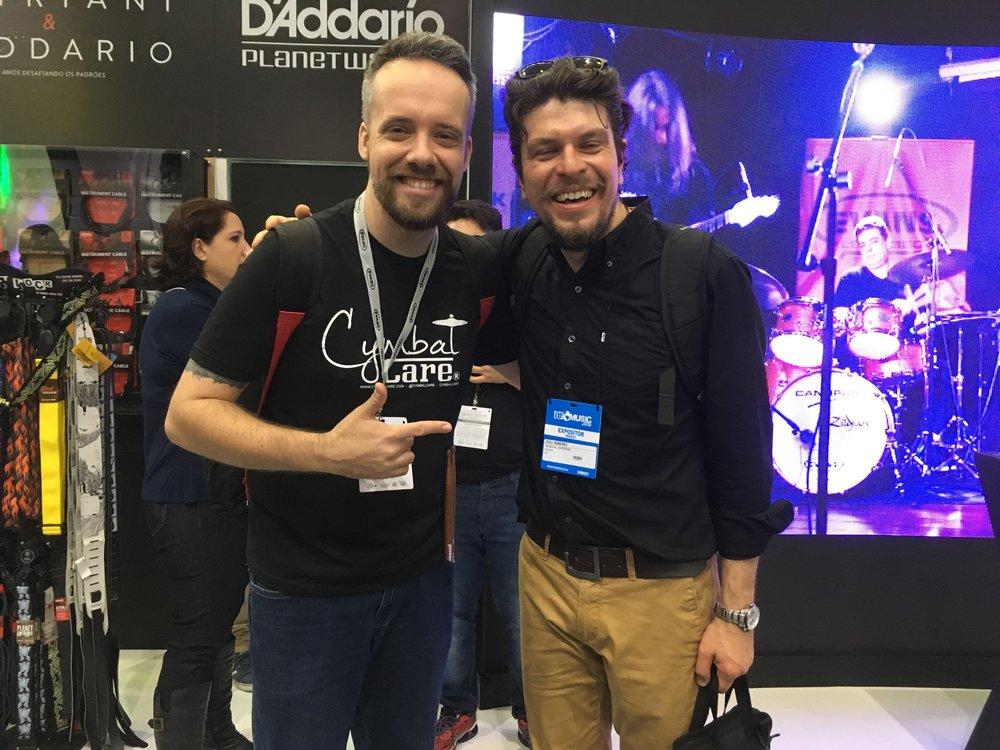 com Edu Ribeiro (baterista)
