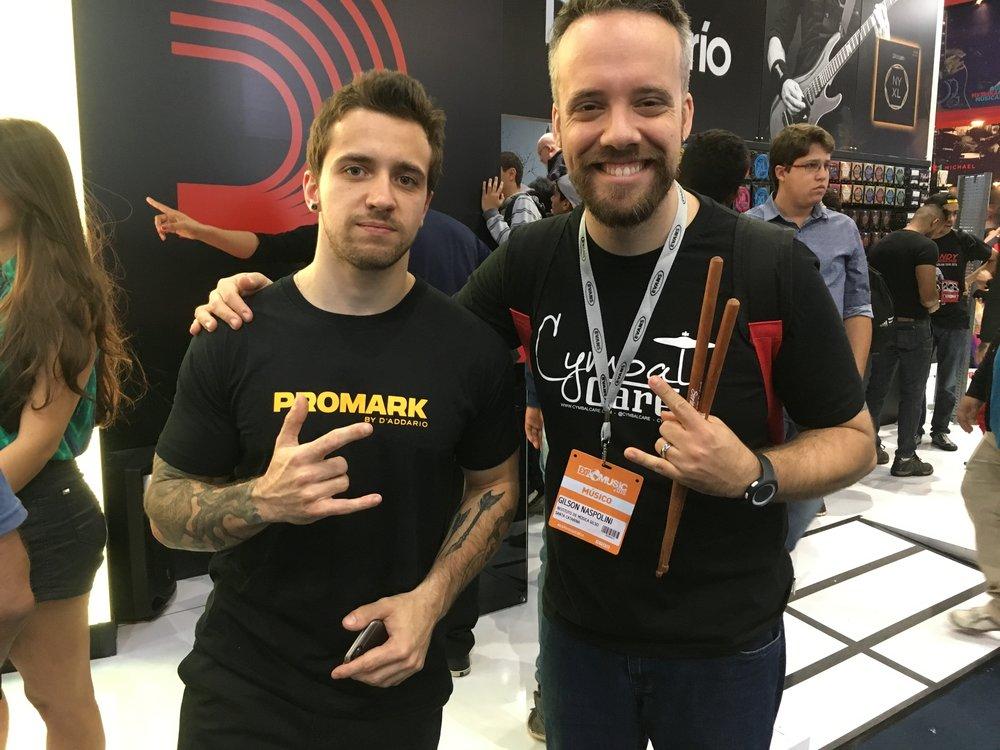 com Eloy Casagrande (baterista, Sepultura)
