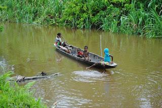 boat+in+Fuau.jpg