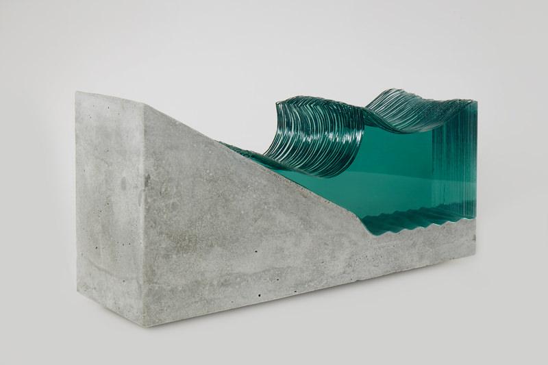 Shorebreak-Glass-Wave-Sculpture-by-Ben-Young.jpg