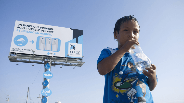 The First Billboard in the World to Make Drinking Water out of Thin Air.