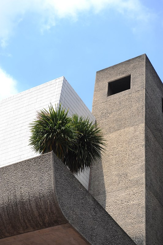 The Barbican Estrate, Exterior Detail  © Lee Mawdsley