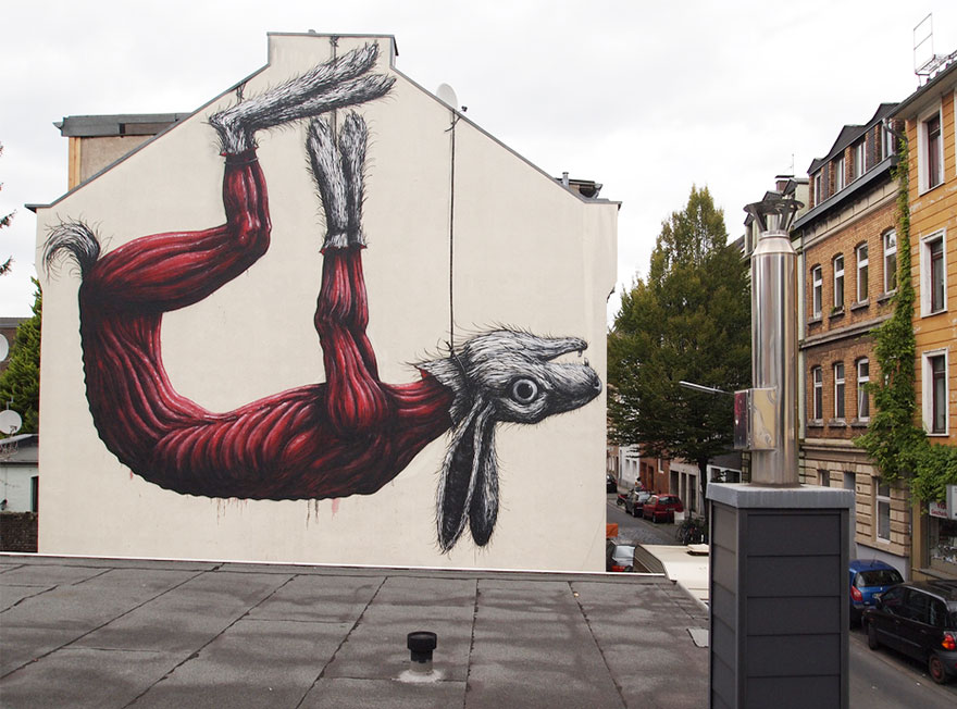 XX-Powerful-Street-Art-Pieces-That-Tell-The-Uncomfortable-Thruth16__880.jpg