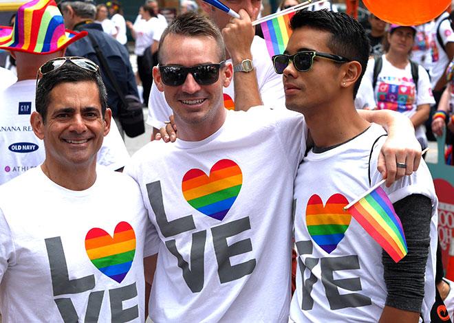 IL_PrideParade_2.jpg