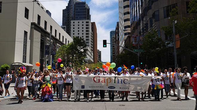 IL_PrideParade_4.jpg