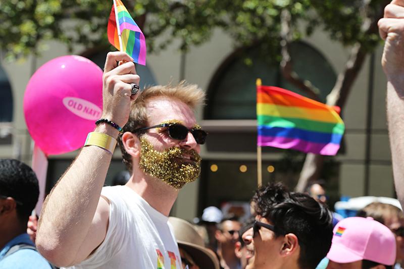 GapInc_PrideParade_062716_04.jpg