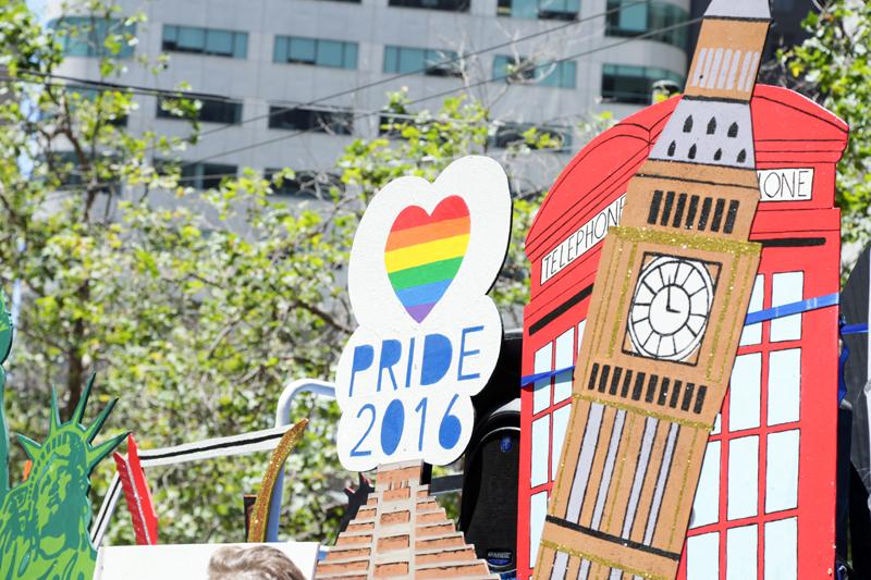 GapInc_PrideParade_062716_06.jpg