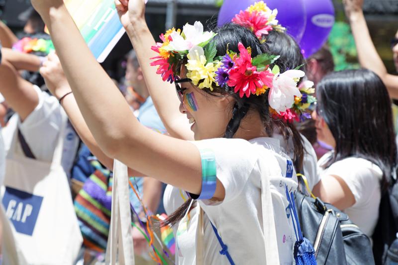 GapInc_PrideParade_062716_08.jpg