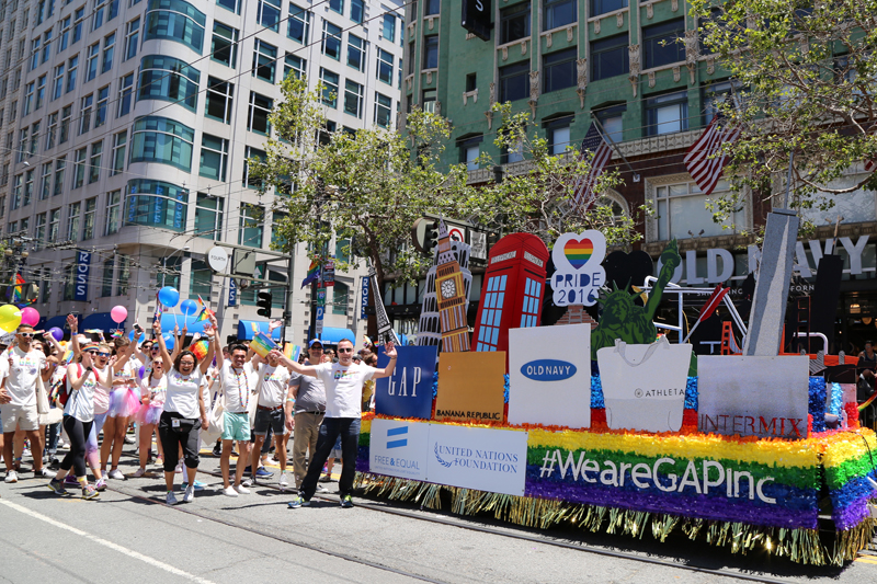 GapInc_PrideParade_062716_10.jpg
