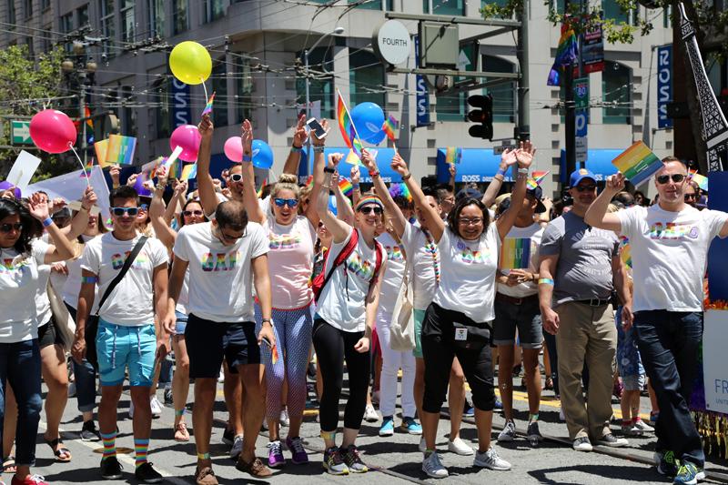 GapInc_PrideParade_062716_15.jpg