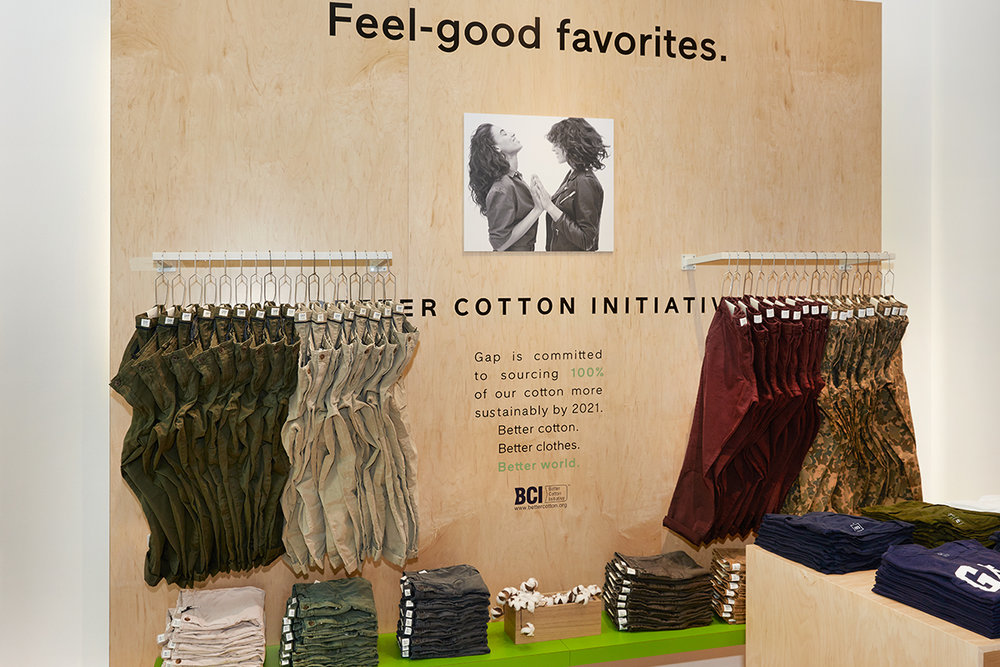 091217_Gap_Good_Pop_Up_Feel_good_wall.jpg