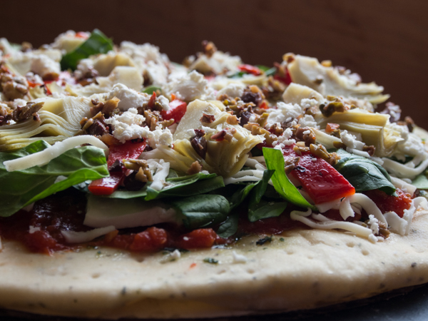 Unbaked pizza 600.jpg