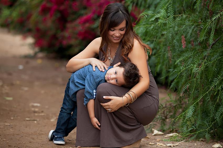 Riverside-Orange-Grove-Maternity-Session (13)
