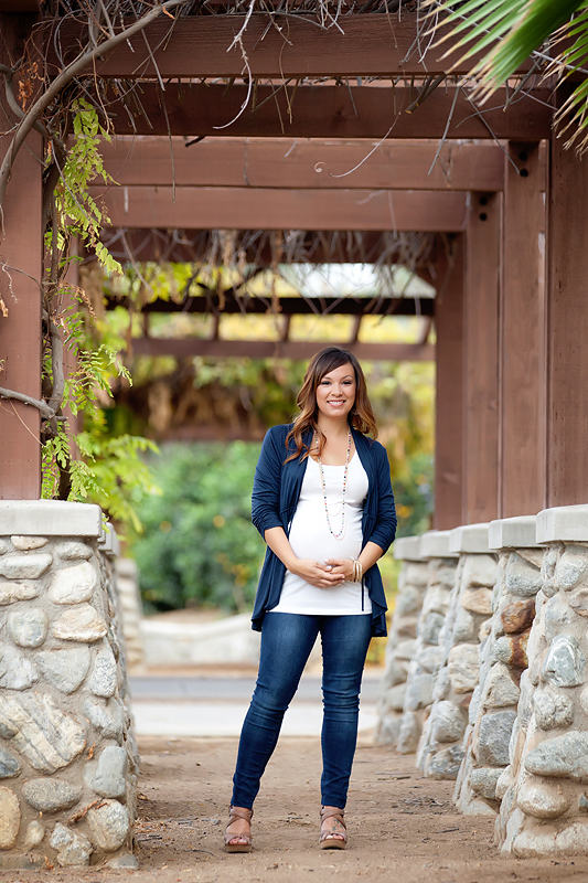 Riverside-Orange-Grove-Maternity-Session (3)