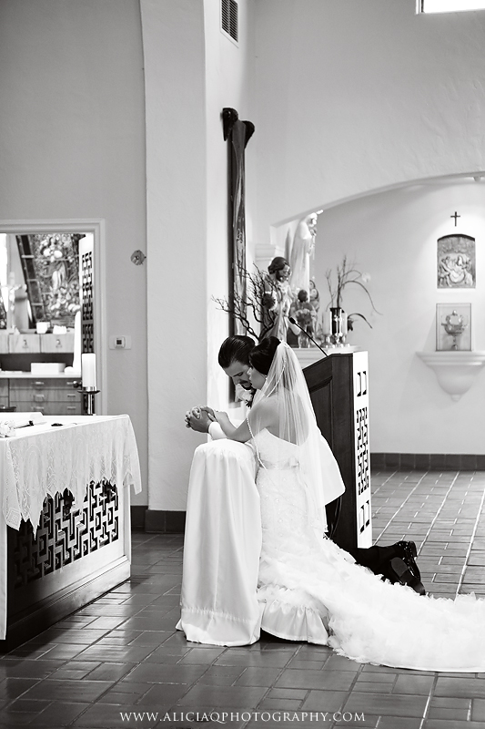 San-Diego-Catholic-Wedding-Saint-Agnes-Sheraton (20)