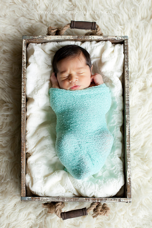 San-Diego-Newborn-Lifestyle-Photography (13)