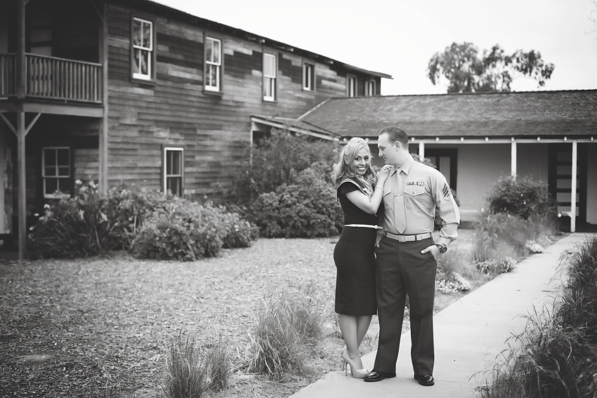 Vintage-Engagement-Pictures (13)