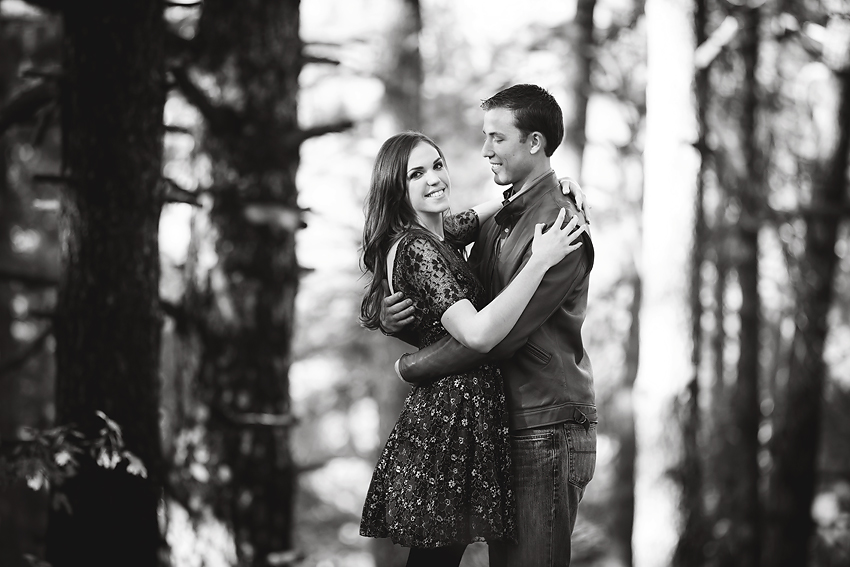 Mountain-Engagement-Photos (9)
