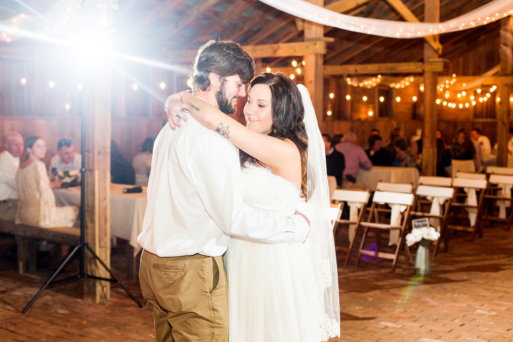 goldsboro-nc-rustic-barn-wedding-photographer