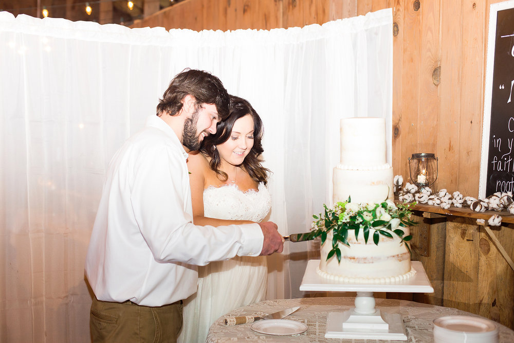 north-carolina-rustic-barn-wedding-photographer