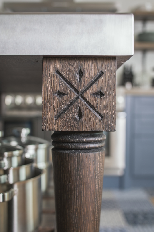 Quaker Hand Carved Post.jpg