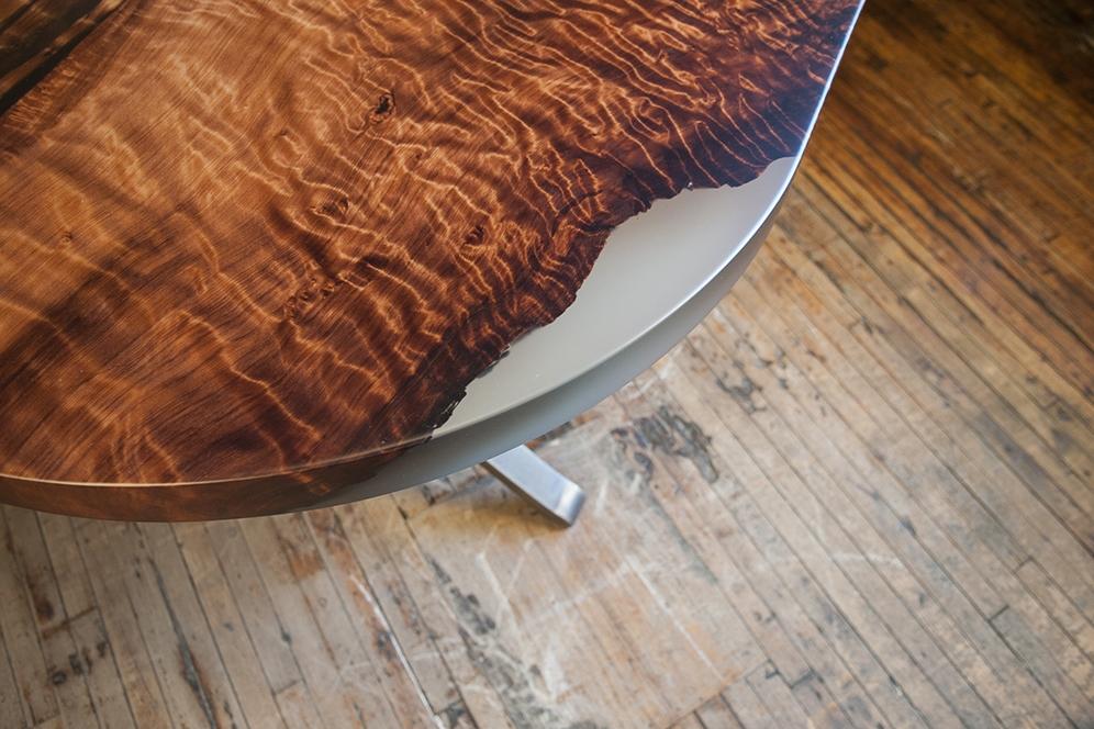 stacklab-design-custom-oval-redwood-table-detail-wood.jpg