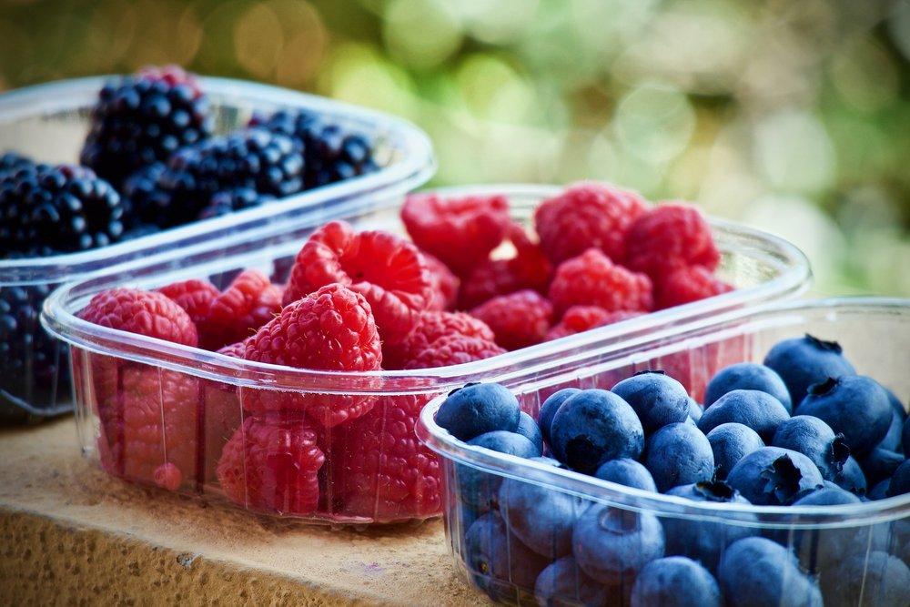 soft-fruits-3504149_1920.jpg