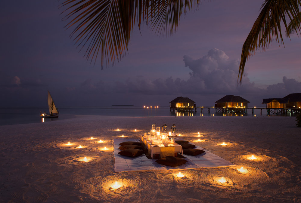 Conrad_Maldives_Sunken_Beach_Dining_Evening_HR.jpg