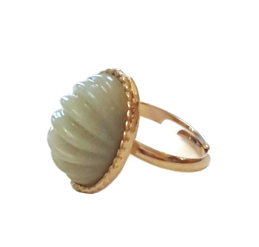 faux light green jade vintage ring