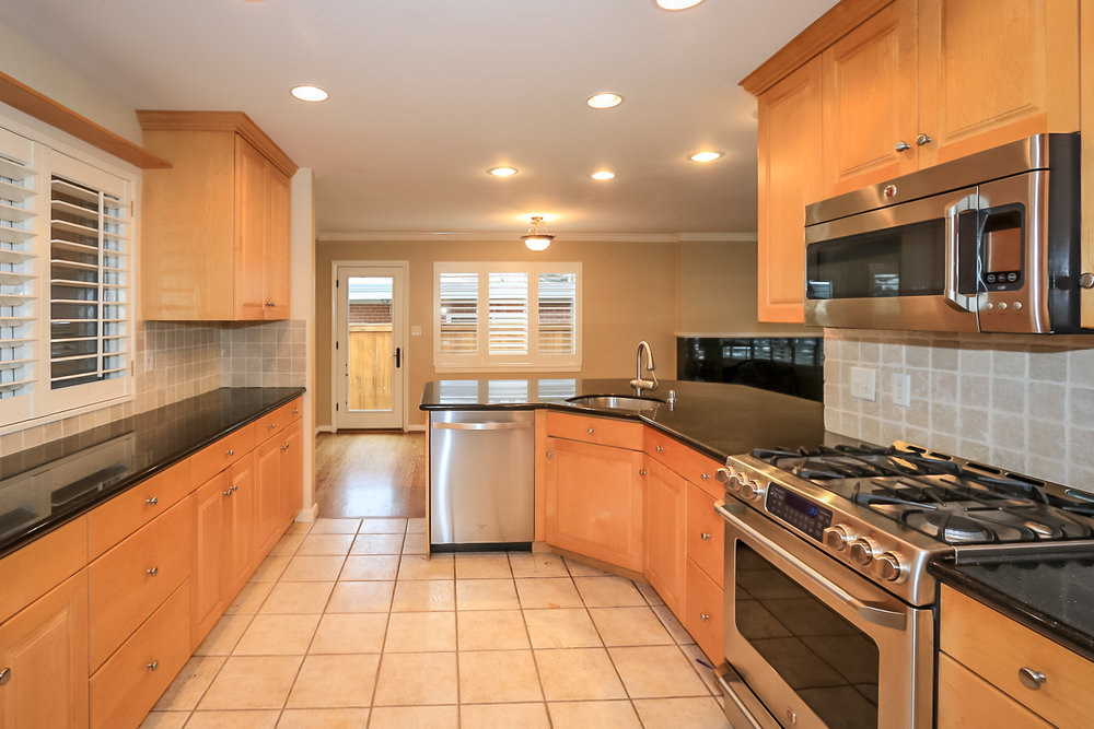Kitchen - 2241 E Bryan Cir, Salt Lake City, UT 84108
