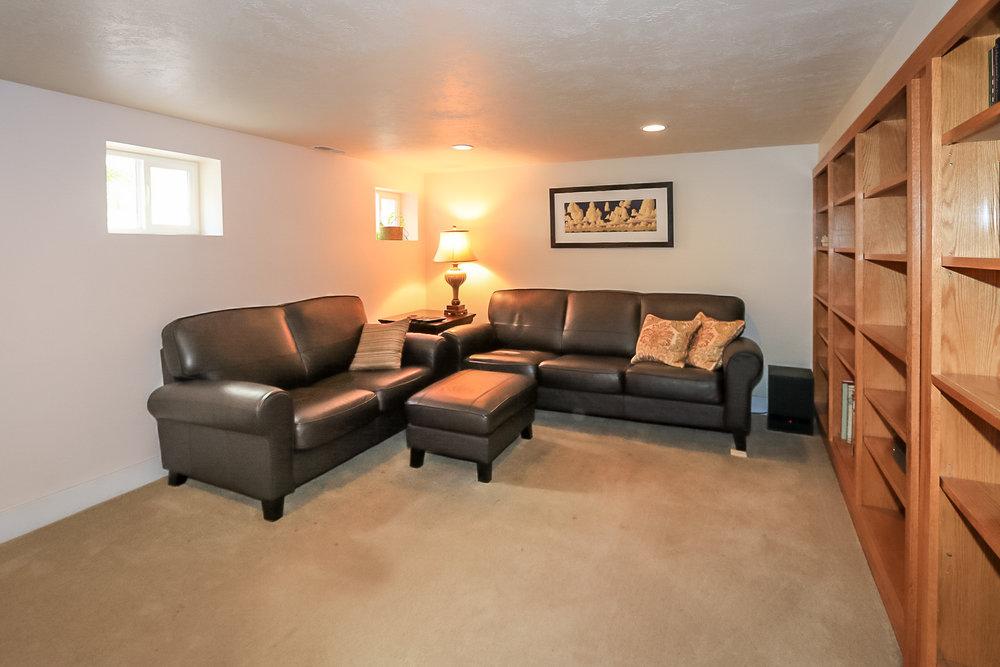 Family Room -703 4th Ave, Salt Lake City, UT 84103