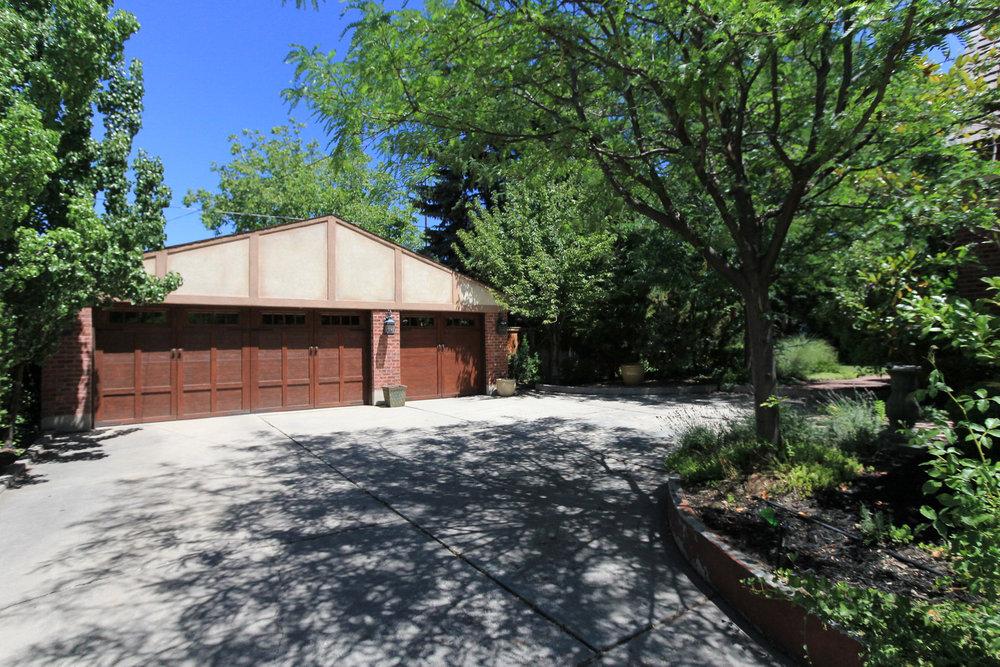 Garage - 1579 E Sherman Ave