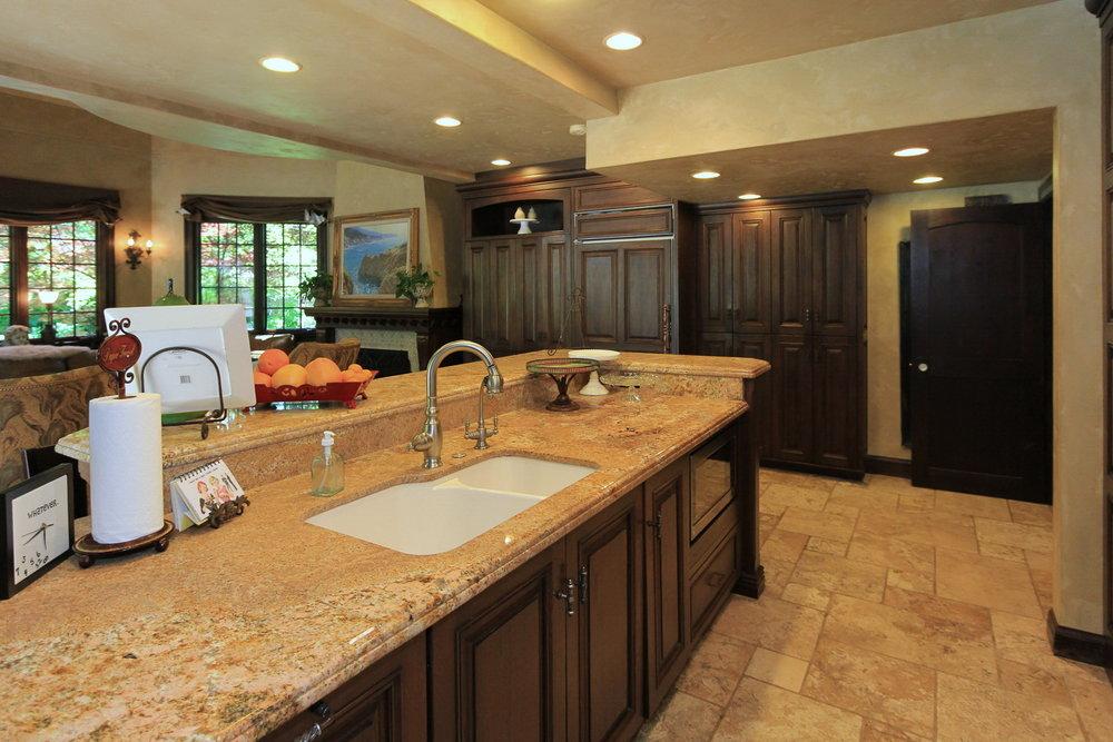 Kitchen 2 - 1579 E Sherman Ave