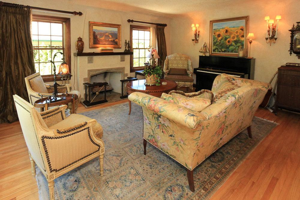 Living Room - 1579 E Sherman Ave