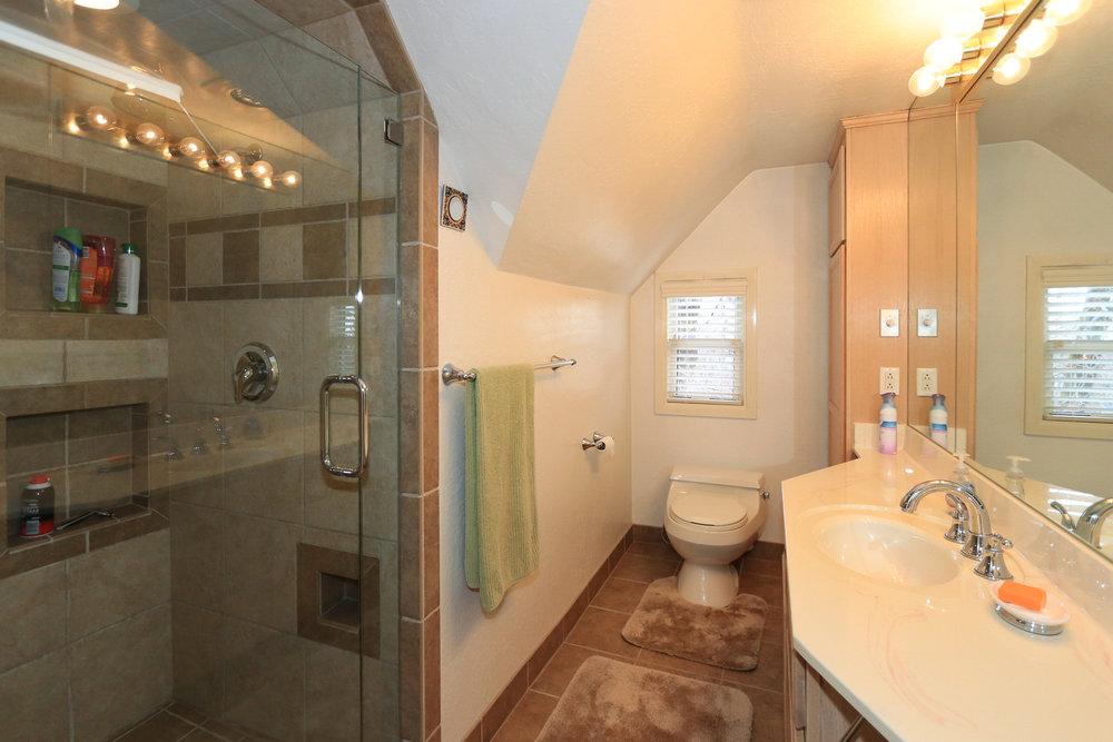 Bathroom Upstairs - 1429 E Michigan Ave, Salt Lake City, UT 84105