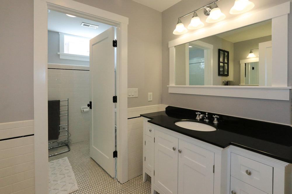 Bathroom - 1571 E Harvard Ave, Salt Lake City, UT 84105