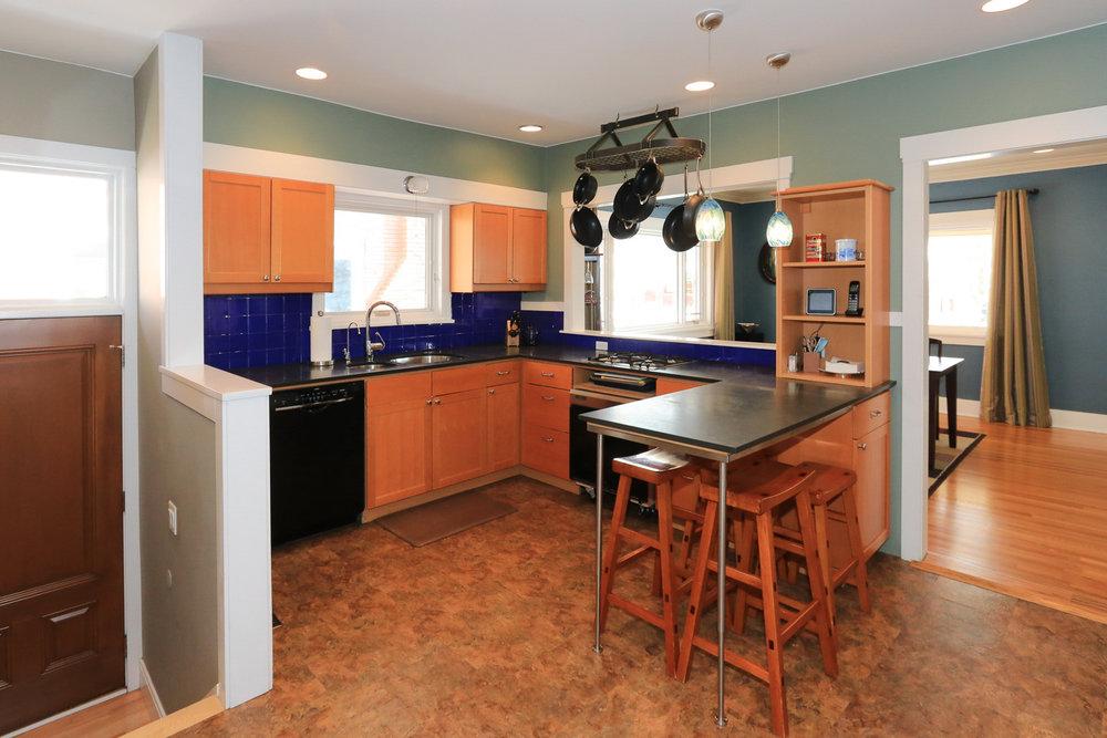 Kitchen - 1571 E Harvard Ave, Salt Lake City, UT 84105