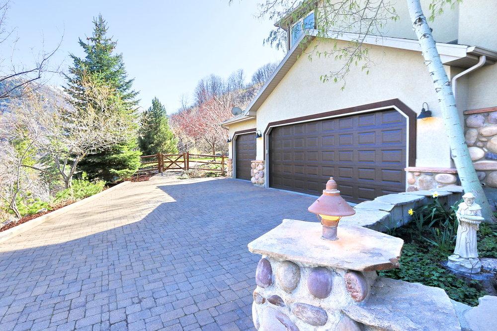 Garage - 349 Middle Oak Ln, Emigration Canyon, UT 84108