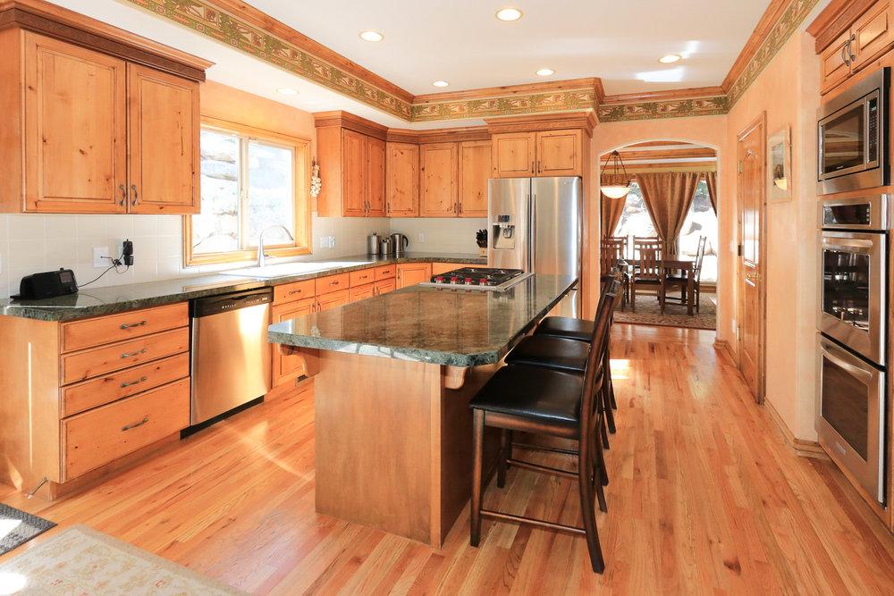Kitchen - 349 Middle Oak Ln, Emigration Canyon, UT 84108
