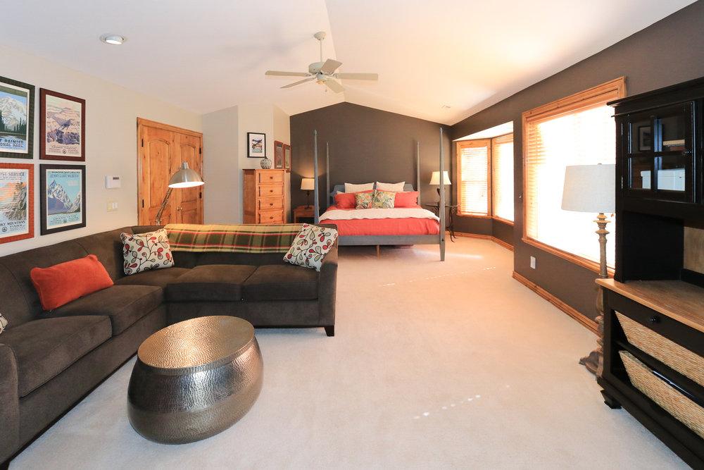 Master Bedroom - 349 Middle Oak Ln, Emigration Canyon, UT 84108