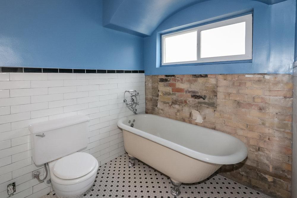 440 J St Bathroom