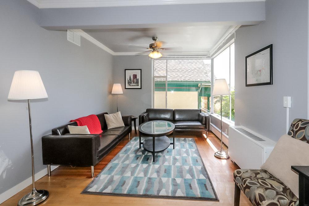 440 J St Living Room