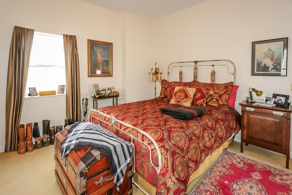 6 - bedroom.jpg