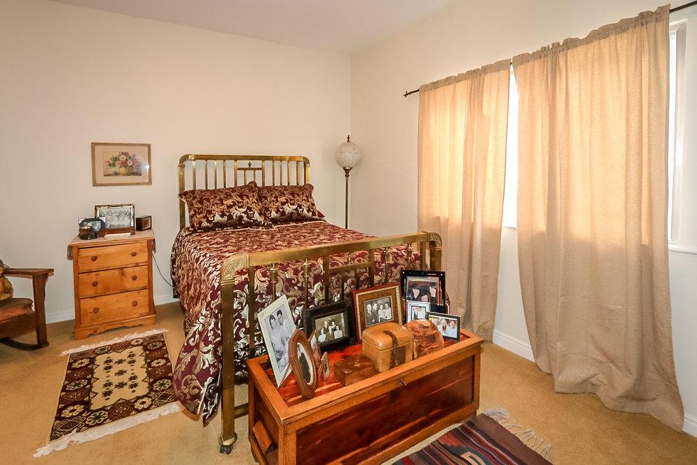 8 - bedroom.jpg