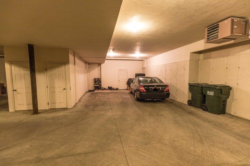 9 - garage interior.jpg