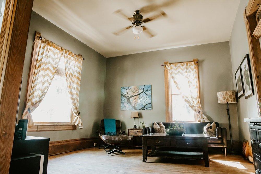 4 - living room.jpg