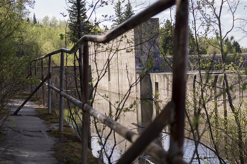 La Colle Dam Exterior (Goodson)