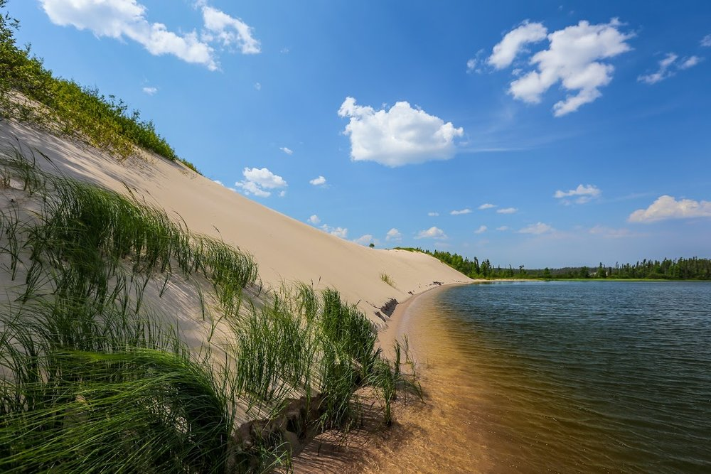 Large dunes along the Pipestone River