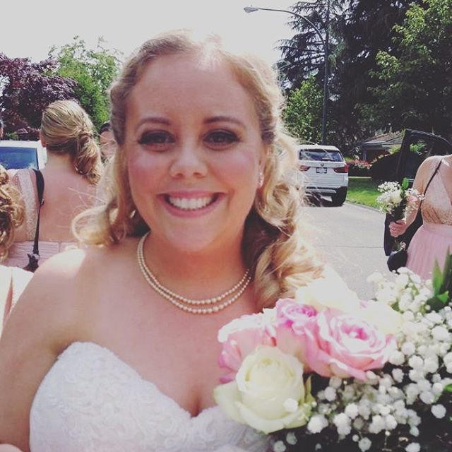 This cheeser from one of my brides (working for @organicmakeupartistry) says it all.  #omamakeupartist #happybride #yvrmakeupartist #lovemyjob