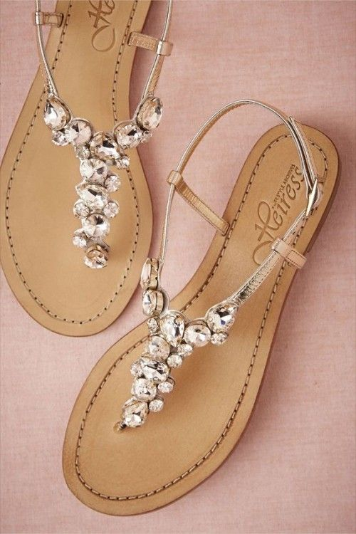 9f3013ecd Jewel sandals can be your best friend! just make sure if you re wearing